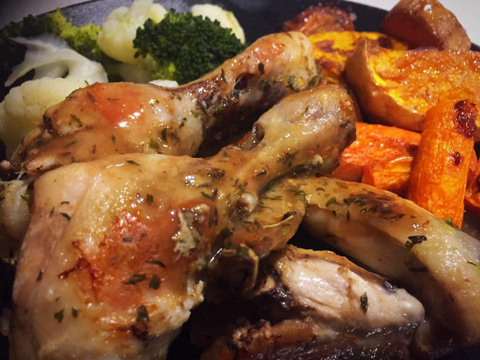 Slow Cooked Roast Chicken Drumsticks with Gravy